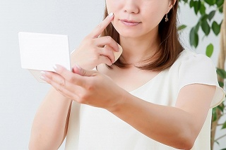 紫外線によるほうれい線の原因
