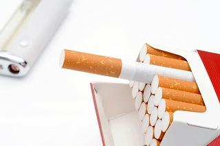 タバコはお肌の大敵!ほうれい線にも悪影響