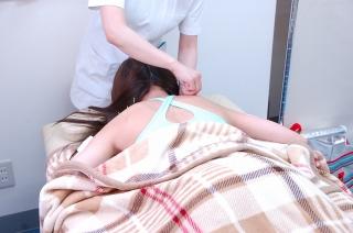 横浜桜木町の美容鍼サロン店内